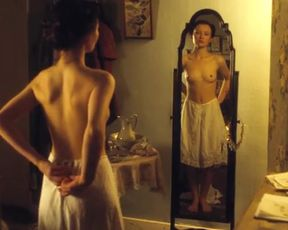 Hot celebs video Emily Browning Nude - Summer In February (UK 2013)