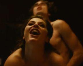 Hot scene Elysia Rotaru Nude - Girlhouse (2014)