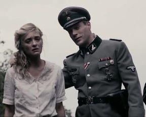 Hot scene Carolina Crescentini Nude - Max e Helene (2015)