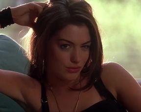 Sexy Anne Hathaway Nude - Havoc (US 2005)