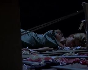 Sexy Jennifer Love Hewitt, Sarah Michelle Gellar Sexy - I Know What You Did Last Summ TV show scenes
