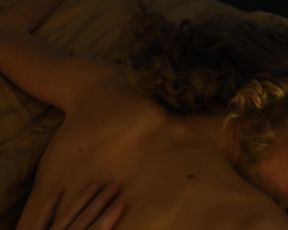 Sexy Penelope Mitchell, Jessica Pike nude - Zipper (2015)