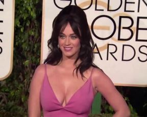 Katy Perry Sexy Cleavage - Golden Globe Awards (2016)