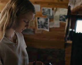 Celebrity Lesbian Video - Stephanie Amarell, Emma Drogunova Nude - Die Familie (2017)