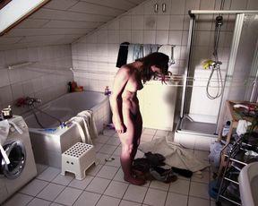 Sexy Alexandra Finder nude - Die Frau des Polizisten (2013)