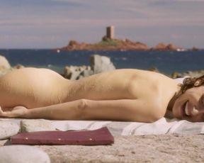 Topless scene Natalie Portman naked - Planetarium (2016)