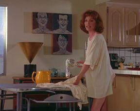 Naked scenes Julianne Moore - Short Cuts (1993)