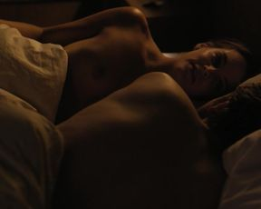 Naked scene Riley Keough - The Girlfriend Experience s01e06 (2016) TV show nudity video