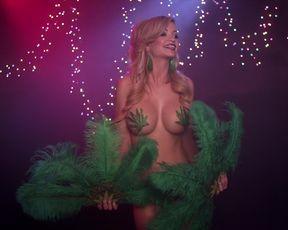 Naked scenes Mindy Robinson - Bikini Model Academy (2015)