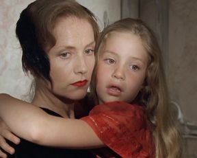 Isabelle Huppert, Stef Sachwein, Michaela Fabrick nude movie - Malina (1991)
