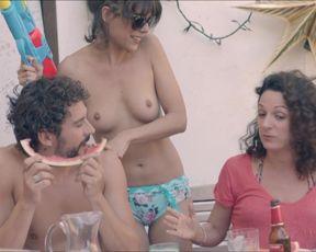 Candela Pena, Claudia Perez Esteban - Kiki, el amor se hace (2016)