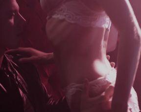 Ali Cobrin - Lap Dance (2014)