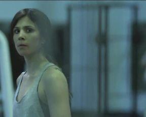 Celebs Aylin Tezel - Die Informantin (2016) HD 720 (Sex, Nude)