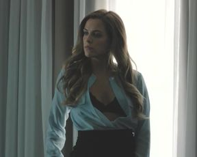 Naked scene Riley Keough, Kate Lyn Sheil nude - The Girlfriend Experience S01E02 (2016) TV show nudity video