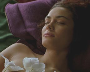 Emmanuelle Vaugier, Shannyn Sossamon - 40 Days & 40 Nights (2002)