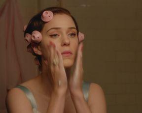 Naked scene Rachel Brosnahan, Kyla Walker - The Marvelous Mrs Maisel (2017) s01e01 TV show nudity video