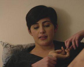 Celebrity Lesbian Video - Jacqueline Toboni, Kiersey Clemons nude - Easy S01E02 (2016)