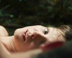 Naked scenes Julia Koschitz - Jonathan (2016)