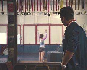 Michelle Derstine, Melissa Rauch - The Bronze (2015) (Sex, Gymnast, Nude, Pussy)