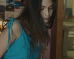 Actress Viviana Aprea nude - La paranza dei bambini (2019)