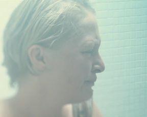 Celebs Sophia Leboutte, Julie Neenemaggi nude - Thermes (2010)