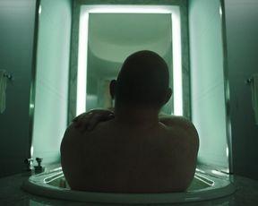 TV show scene Frankie Shaw naked - SMILF s02e02 (2018)