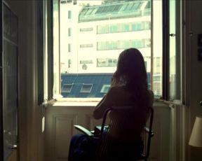 Sexy Elisabeth Umlauft - Gehen am Strand (2013) TV show scenes