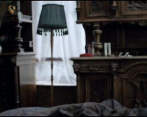 Tereza Vitu nude - Bez doteku (2013)