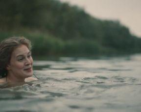 Actress Nina Gummich, Alicia von Rittberg nude - Lotte am Bauhaus (2019)