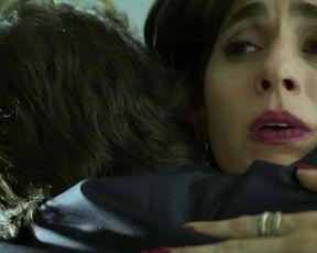 Sexy Adriana Esteves, Mariana Lima nude - Assedio s01e03 (2018) TV show scenes