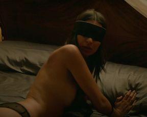 Sexy Emily Ratajkowski nude - Welcome Home (2018) TV show scenes