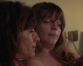Sexy Romane Bohringer nude - L'amour flou (2018) TV show scenes