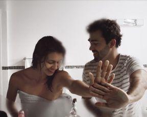 Naked scenes Babi Fernandes nude - Espelho (2013)