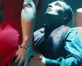 Sexy Vica Kerekes sexy - Muzi v nadeji (2011) TV show scenes