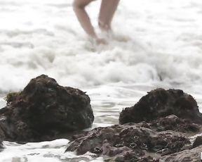 Oceans Edge -Emma Stoned sex