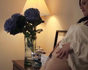 MIRROR - Tina Masturbates